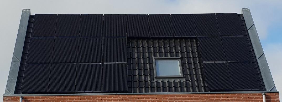 Zonnepanelen Gemonteerd Op Schuin Dak 1, uw zonnepanelen Specialist